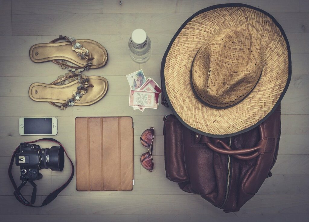 vacation, holidays, equipment-691364.jpg